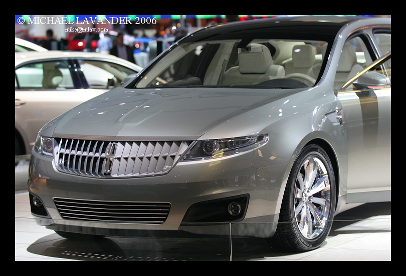 http://mlav.us/car/autoshow06/ford/images/Lincoln%20MKS%20b.jpg